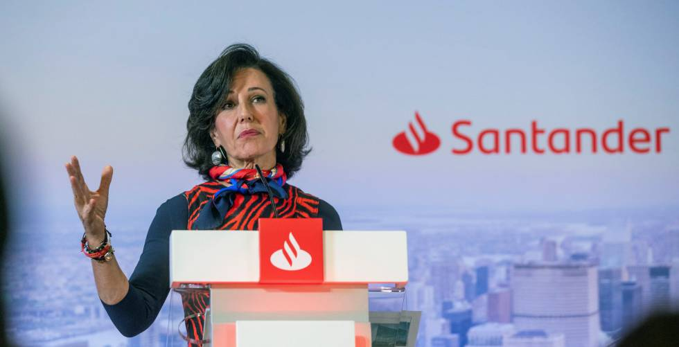 Santander looks back with anger and forward with hope