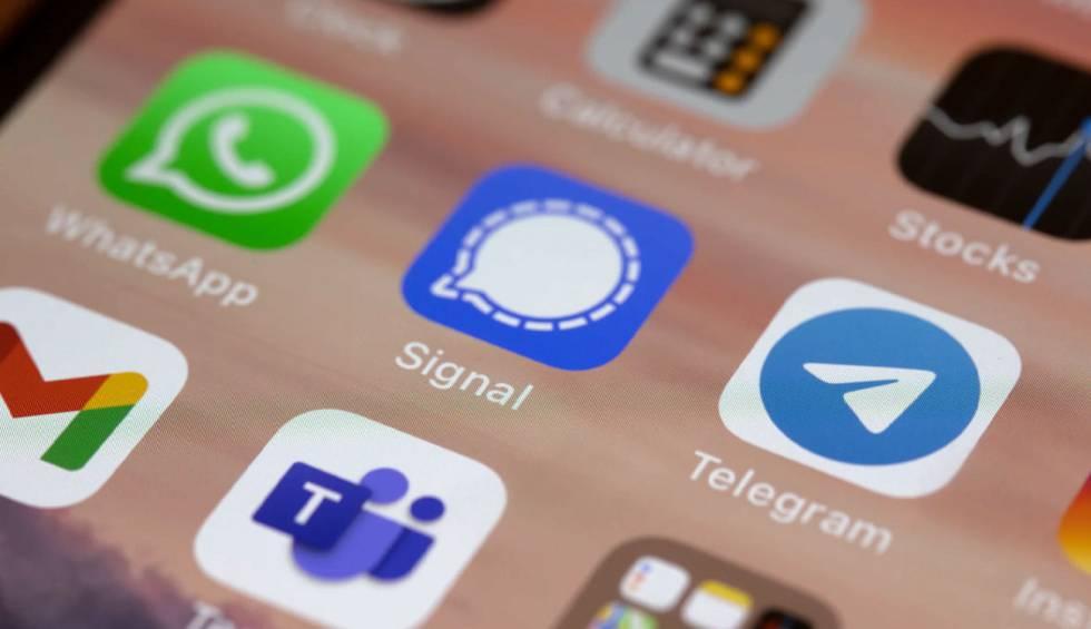 Transfer your WhatsApp conversations to Telegram.