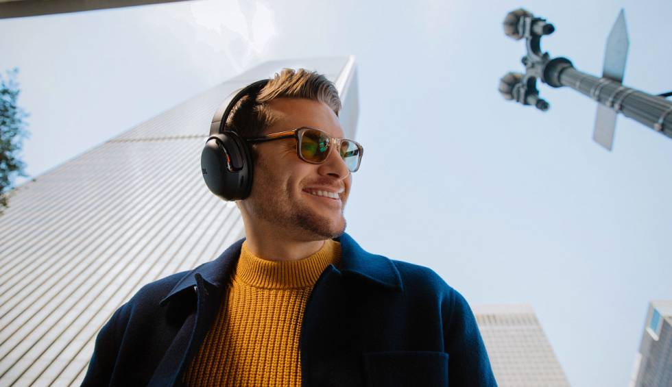 JBL celebrates 75 years with new headphones: the Tour One and Tour Pro +