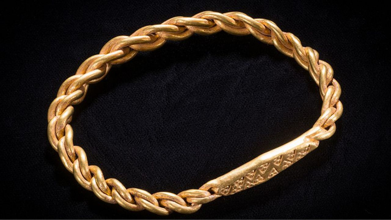 A spectacular and rare Viking treasure was found by chance