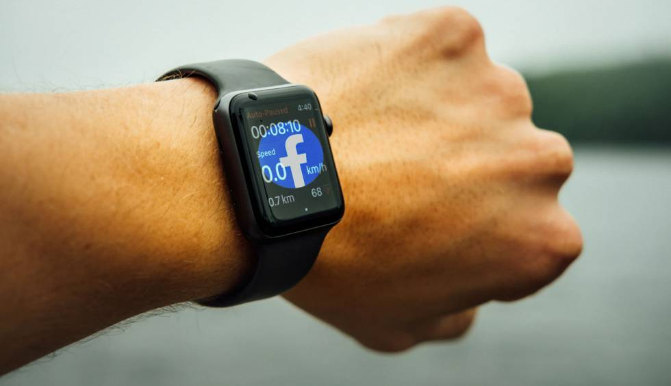 Facebook is working to launch its own 'smartwatch' soon, you know when?