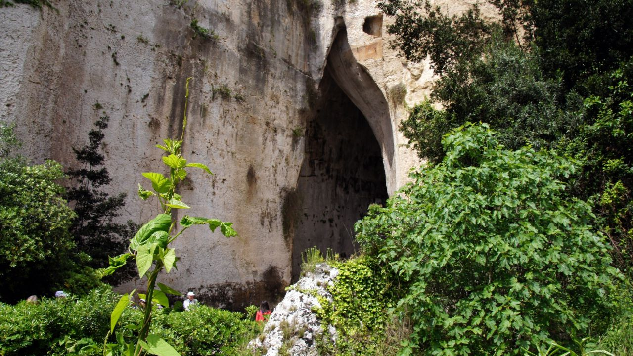 L'Orecchio di Dionisio: the Sicilian cave where you can pay attention to every whisper