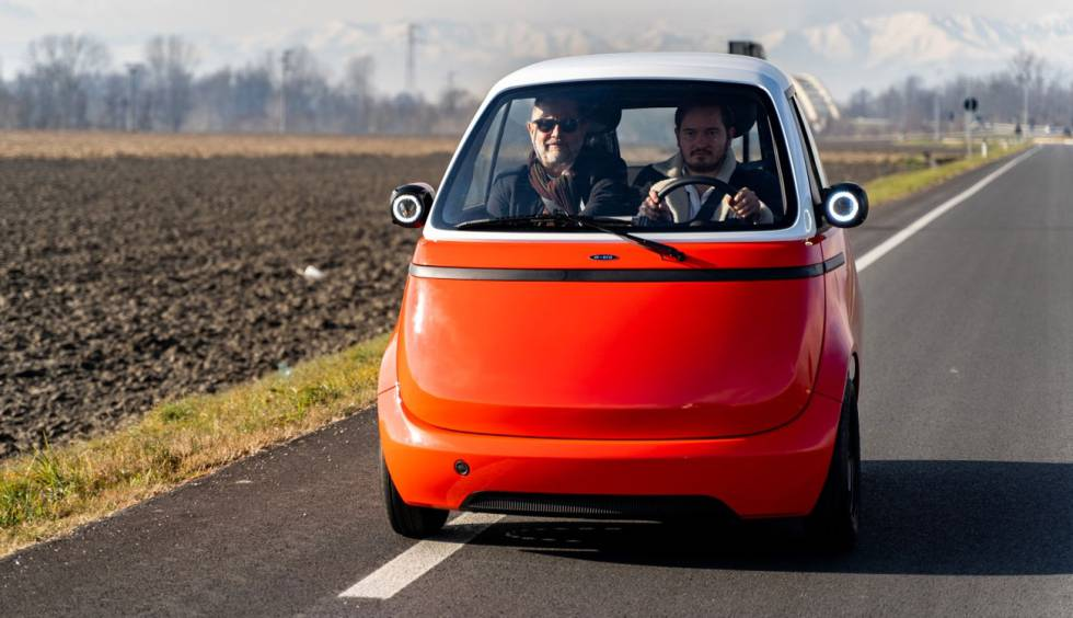 Microlino: this is the electric car without doors and headlights in the mirrors