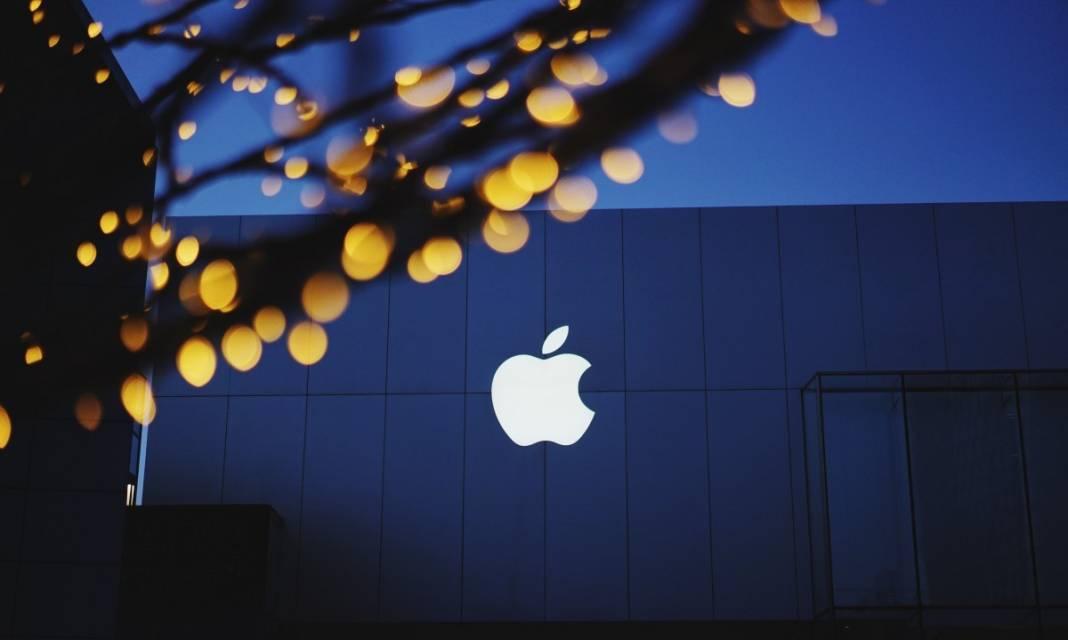 1617131604 branding apple.jpg