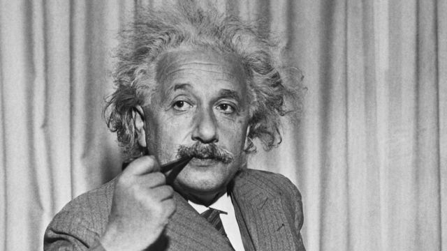Albert Einstein: the 2 big scientific mistakes he made in his career - BBC News World