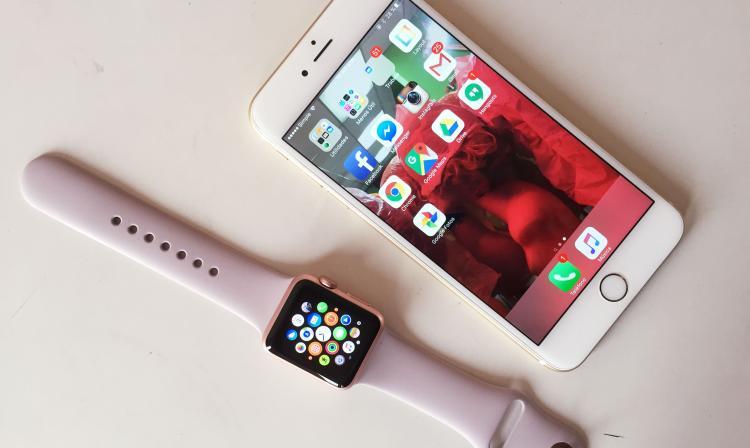iphone 6 applewatch.jpg