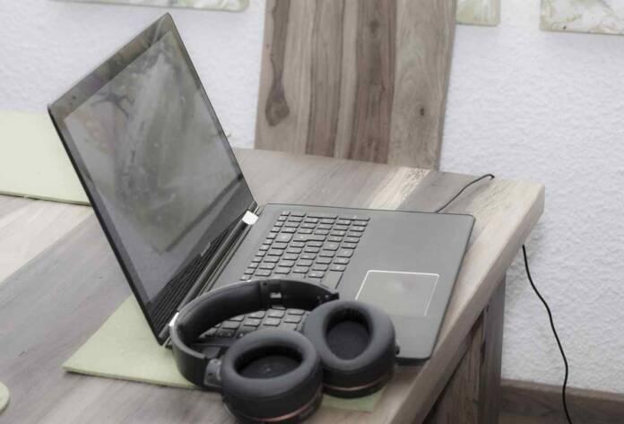 home office 6048249 1280 1.jpg